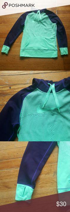 NIKE THERMA FIT LARGE SWEATSHIRT MINT WOMENS NIKE THERMAFIT SWOOSH POINTILISIM MINT AND BLUEISH PURPLE LARGE EUC Nike Tops Sweatshirts & Hoodies