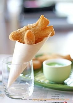 Thai fried bread sticks (deep-fried chinese bread) recipe.