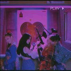 Black Pink Songs, Black Pink Kpop, Aesthetic Songs, Aesthetic Girl, Aesthetic Grunge Tumblr, Blackpink Photos, Pictures, Kpop Gifs, Girls Album
