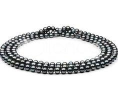Black pearls... stunning