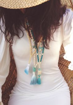 Bohemian necklace with beige beads, turquoise and Pompom tie and dye Blue turquoise and white - chic boho - hippie chic par Bohemiaspirit sur Etsy https://www.etsy.com/fr/listing/233010446/bohemian-necklace-with-beige-beads