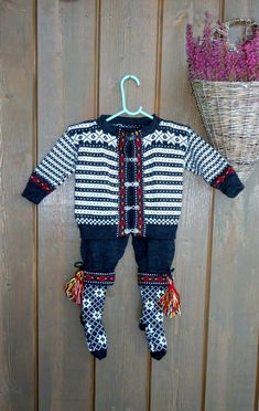 Christmas Sweaters, Costumes, Knitting, Children, Fashion, Young Children, Moda, Boys, Dress Up Clothes