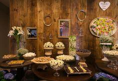 Mesa de doces para casamento rústico - Decoração Renata Hoff - Foto Nattan Carvalho