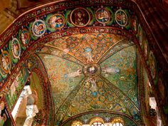 Mosaics of Ravenna, Italy | Miss Julie's Weird Universe missjuliesweirduniverse.com3264 × 2448Buscar por imágenes As I was snoozing through slides in my first college art history class–it was so nice and warm and dark, after all–I suddenly snapped to attention when I ..