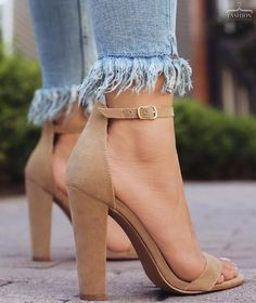 Everything You Didn't Know You Wanted to Know About High Heels: Platforms, Wedges, and Pumps. Cool High Heels, High Heels Boots, Platform High Heels, Shoe Boots, Beige High Heels, Crazy High Heels, Beige Pumps, Brown Pumps, High Shoes