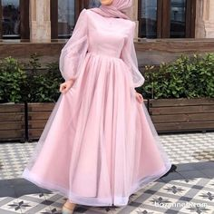ملابس Drip drip drip…that darn leaky faucet! Hijab Prom Dress, Hijab Evening Dress, Muslim Dress, Dress Outfits, Muslim Evening Dresses, Dress Shoes, Shoes Heels, Modest Fashion Hijab, Modern Hijab Fashion