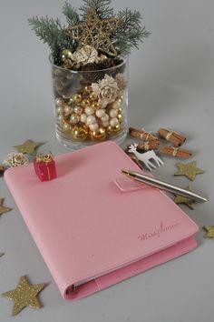 Organizer Miss Planner to idealny prezent na święta! Dla każdej zorganizowanej kobiety, która lubi piękne i kolorowe rzeczy!