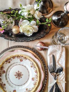 vintage thanksgiving place setting / anatomy of a table setting / reality and retrospect