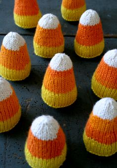 Candy Corns! - (Free Knitting Pattern)