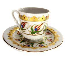 Porcelain cup and saucer from Kutahya/Turkey. Arabic Tea, Arabic Coffee, How To Make Coffee, Making Coffee, Handmade Ottomans, Turkish Coffee Cups, Coffee Photography, Espresso Coffee, Cup And Saucer Set