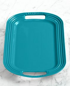 Get outside! Dine al fresco with the perfect accents LE CREUSET #entertaining BUY NOW!