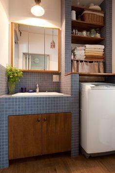アンティーク雑貨が揃うカフェのような美しい住空間 – BASC GRAY - (洗面室)
