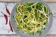 Low Carb Zucchini-Spaghetti aglio e olio - Gaumenfreundin - Food & Family…