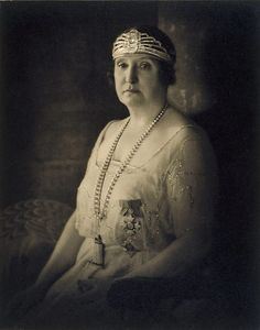 The formidable Dame Nellie Melba, (1922) by Harold Cazneaux :: The Collection :: Art Gallery NSW