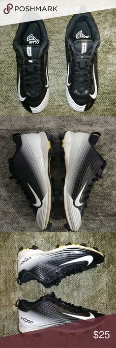 Nike Vapor Youth Baseball Cleats Black and white,Size 4.5 youth.Preowned.Excellent condition. Nike Shoes Sneakers