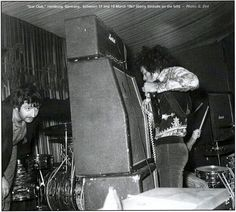 Jimi Hendrix Hamburg (Star Club) : 18 et 19 mars 1967 Gerry Stickels band manager to left, photo G. Zint