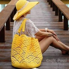 Giant Shell Stitch Beach Tote - Free Crochet Pattern - Share a Pattern Crochet Beach Bags, Free Crochet Bag, Crochet Market Bag, Crochet Shell Stitch, Tote Pattern, Crochet Patterns, Knitting, Purses And Bags, Tote Bag