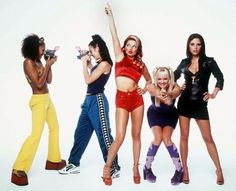 As the Spice Girls come together for the launch of the musical Viva Forver!, take a look back at Posh, Baby, Sporty, Scary and Ginger Spice's unforgettable style. Grunge Outfits, Outfits Casual, Emma Bunton, Cher Horowitz, Spice Girls Outfits, Girl Outfits, Rachel Green, Ginger Spice Girl, Victoria Beckham