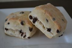 Schokoladen Scones Bread Recipes, Breakfast, Cake, Baguette, Butter, Chocolate, Kuchen, Perfect Breakfast, Treats