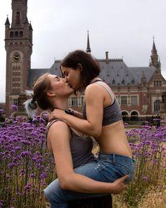 Lesbiand porne granny