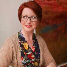 Episode 113: Branding Expert Suzi Istvan Helps You Stand Out Online - BizChix.com/113