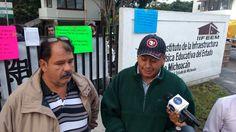 Representantes del Sindicato Independiente de Trabajadores del Instituto de Infraestructura Física Educativa del Estado de Michoacán (SITIIFEEM) aseguran que les pagan salarios bajos y los viáticos no son en la ...