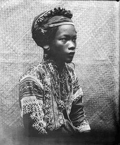 """An Aeta/Agta girl of the Philippines. Her people are also referred to as """"Negritos"""" but that's the pejorative term for the First Peoples of the country. Philippines People, Philippines Culture, Philippines Beaches, Asian History, African American History, British History, Afro, Filipino Culture, Black History Facts"""