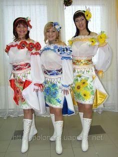 Костюмы для ансамбля стилизованные в украинском стиле
