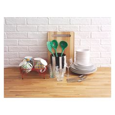 ALVIN Long wooden chopping board with handle L50 x W16cm | Buy now at Habitat UK