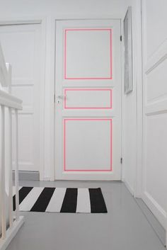 Use your favorite Washi Tape! In fact, Washi Tape will allow you to change it out frequently, plus there are so many patterns that would work in most every decor! Washi Tape Door, Duct Tape, Masking Tape Wall, Washi Tapes, Diy Interior, Interior Design, Painted Interior Doors, Painted Doors, Scandinavian Interior