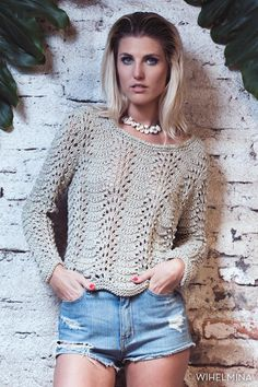 María Cielo: Wihelmina Buenos Aires (tejidos) verano 2016 Knitting Paterns, Crochet Rug Patterns, Lace Knitting, Crochet Designs, Crochet Woman, Knit Crochet, Handgestrickte Pullover, Fashion For Petite Women, Handmade Clothes