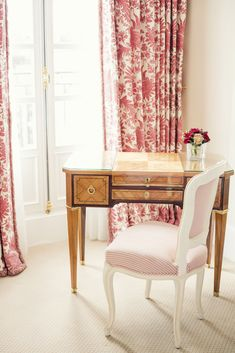 A stay at the historic Le Bristol Hotel Paris. Le Bristol Paris, Ann Street Studio, Pretty Bedroom, Soft Furnishings, Decor Interior Design, Decoration, Furniture Decor, House Design, House Styles