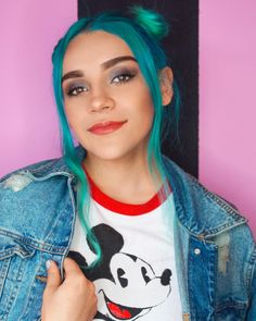 Me gustan mis chonguitos me gustas tú. : @mickeholguinbello Ami Rodriguez, Sofia Carson, Youtubers, Hairstyle, T Shirts For Women, Actors, Beautiful, Instagram, Bloom