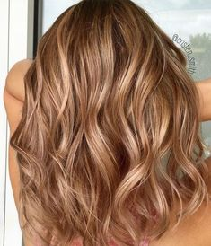Best Brown Hair Color Shades To Try Hair Color caramel hair color Brown Blonde Hair, Brown Hair With Highlights, Brunette Hair, Blonde With Caramel Highlights, Golden Brown Hair Dye, Sandy Brown Hair, Fall Highlights, Warm Blonde, Long Brunette