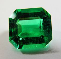 6.55CT FINEST NATURAL LOOSE COLOMBIAN EMERALD AAAA+ QUALITY 12.40x11.69mm