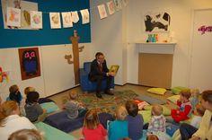 Op woensdag 18 januari 2012 las burgemeester De Ruiter de peuters van Kinderdagverblijf De Maatjes in Zevenaar voor tijdens het nationale voorleesontbijt. Dit gebeurde in het kader van de Nationale Voorleesdagen.
