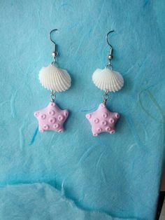 Orecchini con stelle marine in pasta polimerica e conchiglie vere