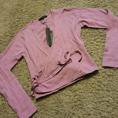 **crop v neck purple top new with tags small pierri new York  Tops Crop Tops
