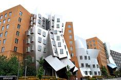 Ce sont les tours dansantes de l 39 architecte zaha hadid for Architecture deconstructiviste