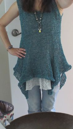 Ravelry: MakiStutt's Rosa's sleeveless pullover - free PDF pattern