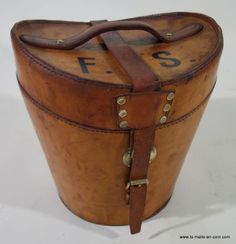 Cuir Vintage, Coin, Html, Travelling, Brown Leather, Beautiful, Baggage, Leather Products, Hat