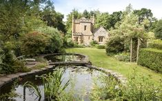 Named Molly's Lodge, the cute little architectural dream is a certified Grade II Listed castle located in Warwickshire, England. Small Castles, Castles In England, English Castles, Gate House, Le Prix, Clearwater Beach, Buckingham Palace, Detached House, Lodges