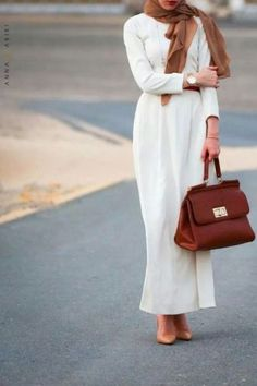 long white dress with rust bag and scarf- Neutral hijab outfit ideas http://www.justtrendygirls.com/neutral-hijab-outfit-ideas/