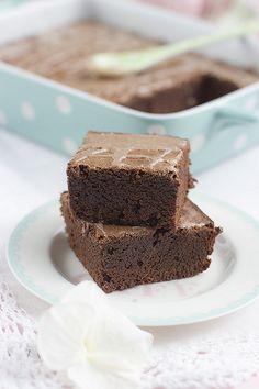 Brownie de Chocolate y Canela con Glaseado de Chocolate Blanco