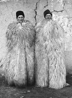 Janos Stekovics is a Hungarian photographer and publisher based in Germany. This is a collection of portraits he took of twin farmers in the The Lukács twins were 63 years old when the photographer visited the village to photograph them. Folklore, Costume Ethnique, Wooly Bully, Identical Twins, Portraits, Folk Costume, People Of The World, Bored Panda, Hungary
