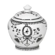 Discover the Miss Blackbirdy Sugar Bowl at Amara