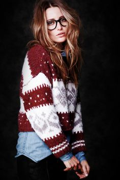 love these chunky sweaters for fall.. love her look