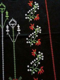 Cross Stitch Borders, Cross Stitch Flowers, Palestinian Embroidery, Dress Neck Designs, Luxury Interior Design, Diy And Crafts, Beads, Crochet, Cross Stitch