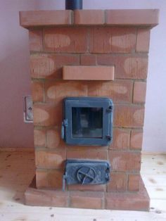 Hordozható Téglakályha Water Heating, Survival Skills, Simple Living, Rustic Wood, Design Case, Rockets, Barbecue, Home Decor, Craft