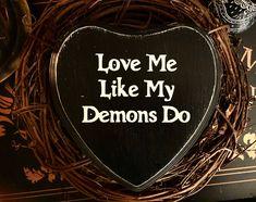 Horror Decor, Horror Crafts, Dark Drawings, Dark Love, Love Me Like, Spooky Halloween, Halloween Kitchen, Funny Halloween, Goth Art